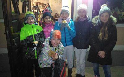 Planinci z lučkami na Bukovec
